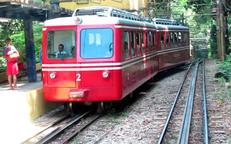 Ferrovia do Corcovado comemora 135 anos com quarta geração de trens