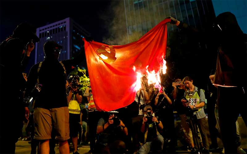 Registrada 1ª morte relacionada a manifestações em Hong Kong