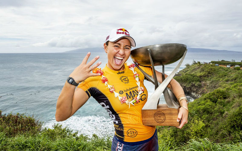 Havaiana Carissa Moore é campeã mundial de surfe