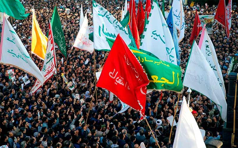 No Irã, pelo menos 40 pessoas morrem pisoteadas em funeral de Soleimani