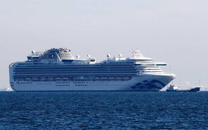 Japão permite que passageiros mais velhos saiam do cruzeiro
