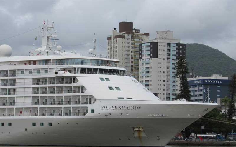 Covid-19: morre turista canadense que estava em navio no Recife