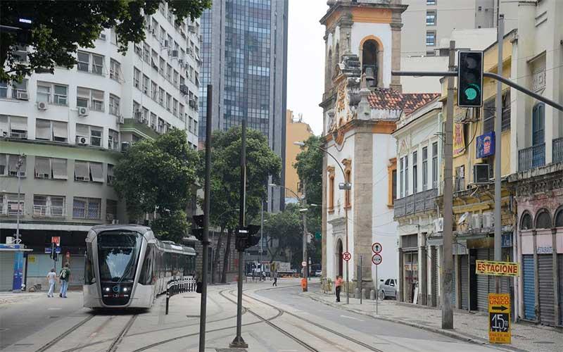 Rio de Janeiro estuda medidas para adoção de lockdown