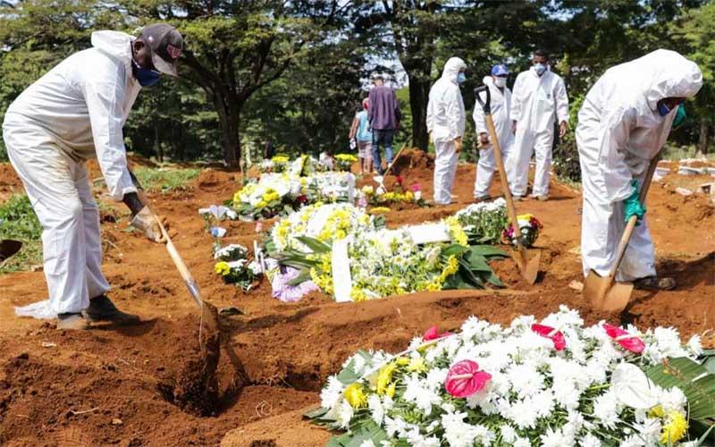 Brasil tem 881 mortes por covid-19 registradas em 24h e chega a 12,4 mil