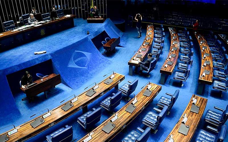 Senado aprova uso de R$ 8,6 bi de fundo para combate à covid-19