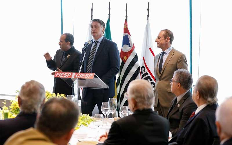 Bolsonaro faz reunião virtual com Fiesp e empresários