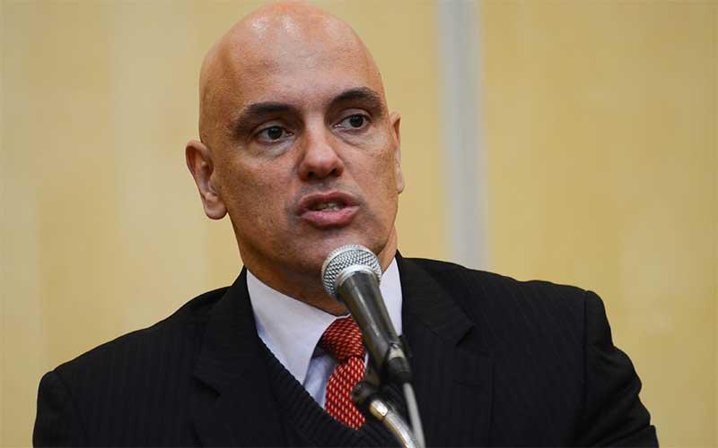 Alexandre de Moraes prorroga prisão de jornalista por mais cinco dias