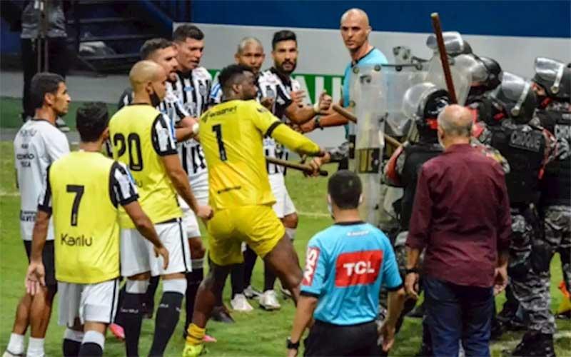 Manaus e Treze-PB empatam em jogo marcado por confusão