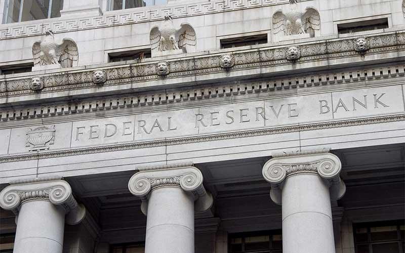 Fed deve elevar projeções econômicas ampliar promessa de juros baixos