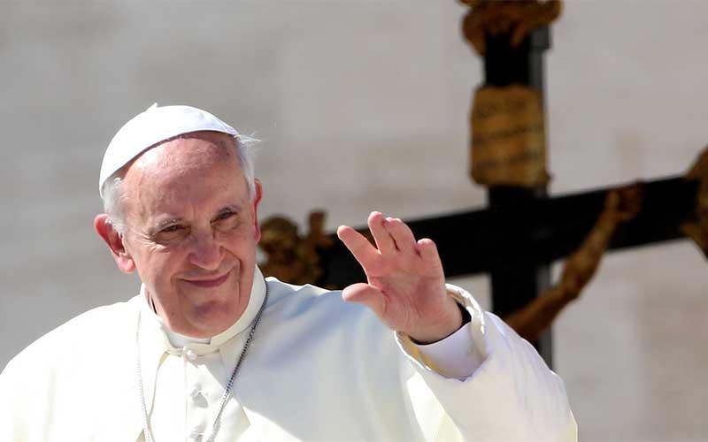 """Papa: livre mercado e """"economia do gotejamento"""" falharam na pandemia"""