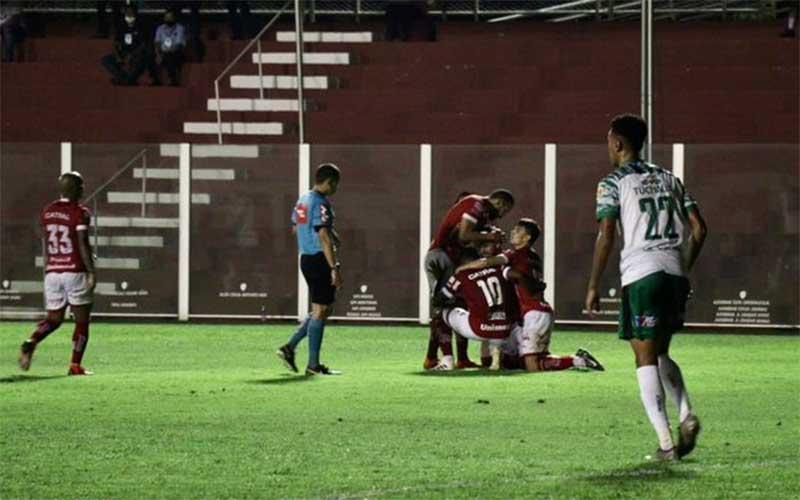 Manaus perde de virada para o Vila Nova