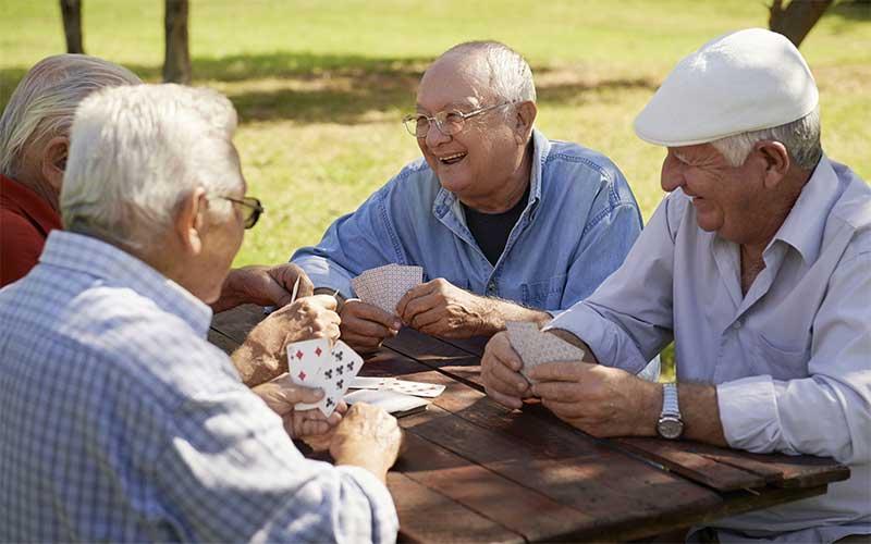Inflação para idosos acumula taxa de 4% em 12 meses