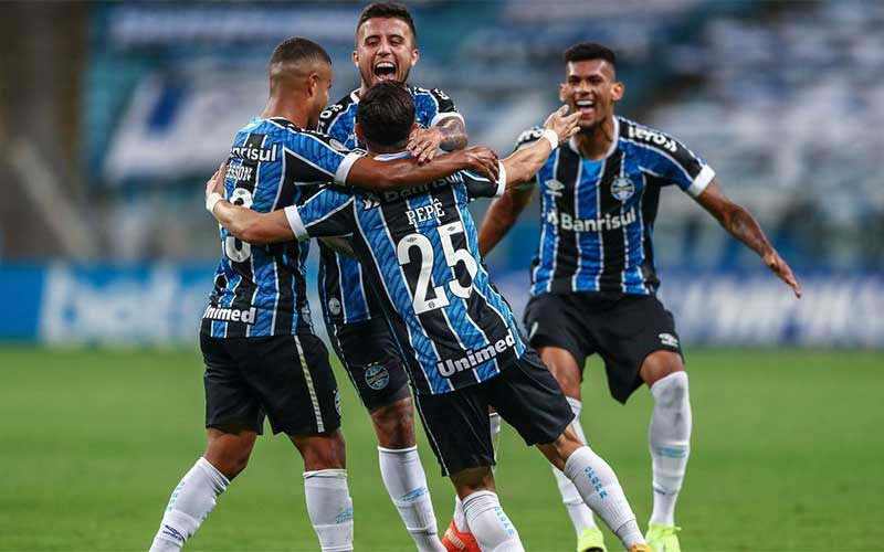 Brasileiro: Grêmio supera Botafogo em Porto Alegre