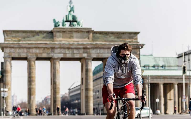Berlim torna obrigatório uso de máscaras