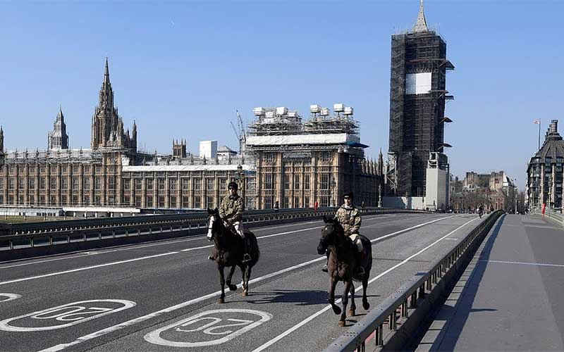 Covid-19 pressiona Reino Unido a seguir lockdowns de França e Alemanha