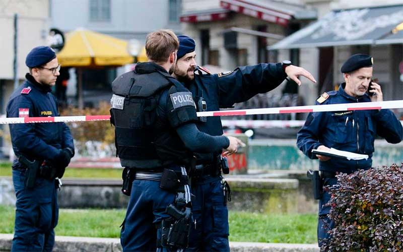 "Ministro classifica ataque em Viena como ""terrorista islâmico"""
