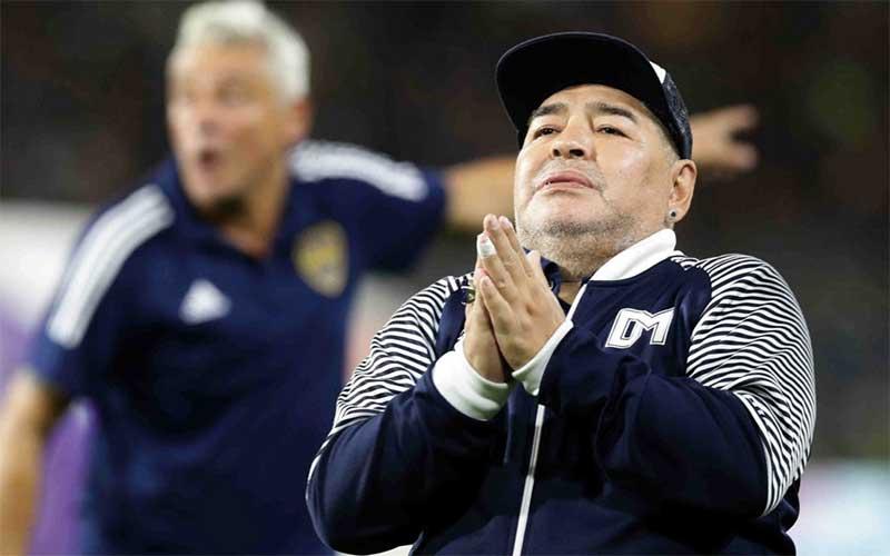Maradona é internado em hospital na Argentina