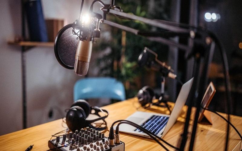 Ministério estabelece critérios para 66 rádios migrarem de AM para FM