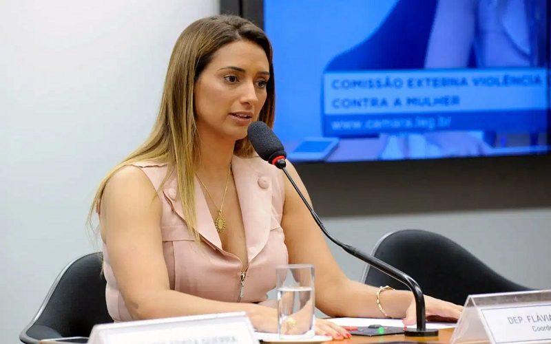 Flávia Arruda é a nova presidente da Comissão de Orçamento da Câmara