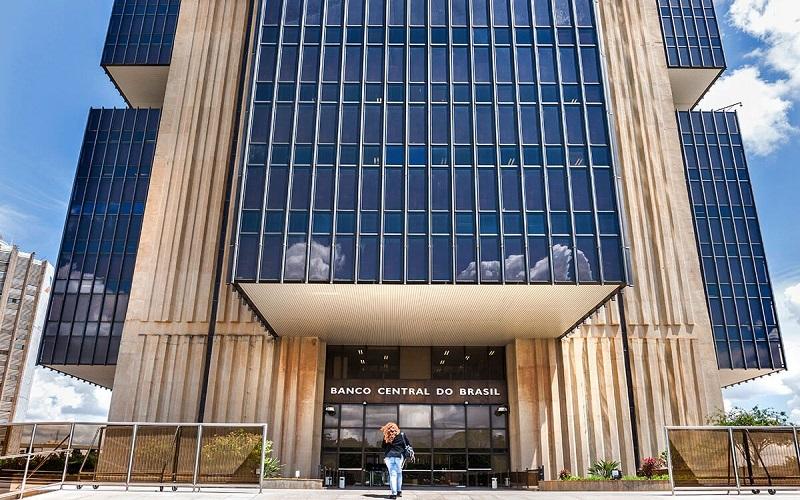 Câmara aprova texto-base de projeto que dá autonomia ao Banco Central