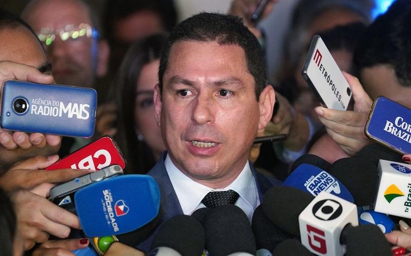 Marcelo Ramos diz que Daniel Silveira cometeu crime, mas questiona prisão em flagrante