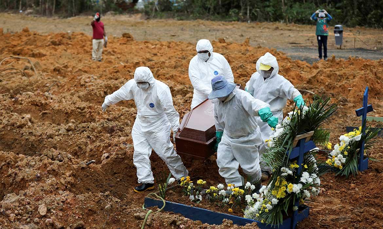 Média diária de mortes por covid-19 passa de 1,5 mil, informa Fiocruz