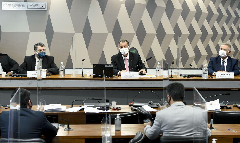 Ernesto Araújo diz à CPI da Pandemia que não houve atritos com a China